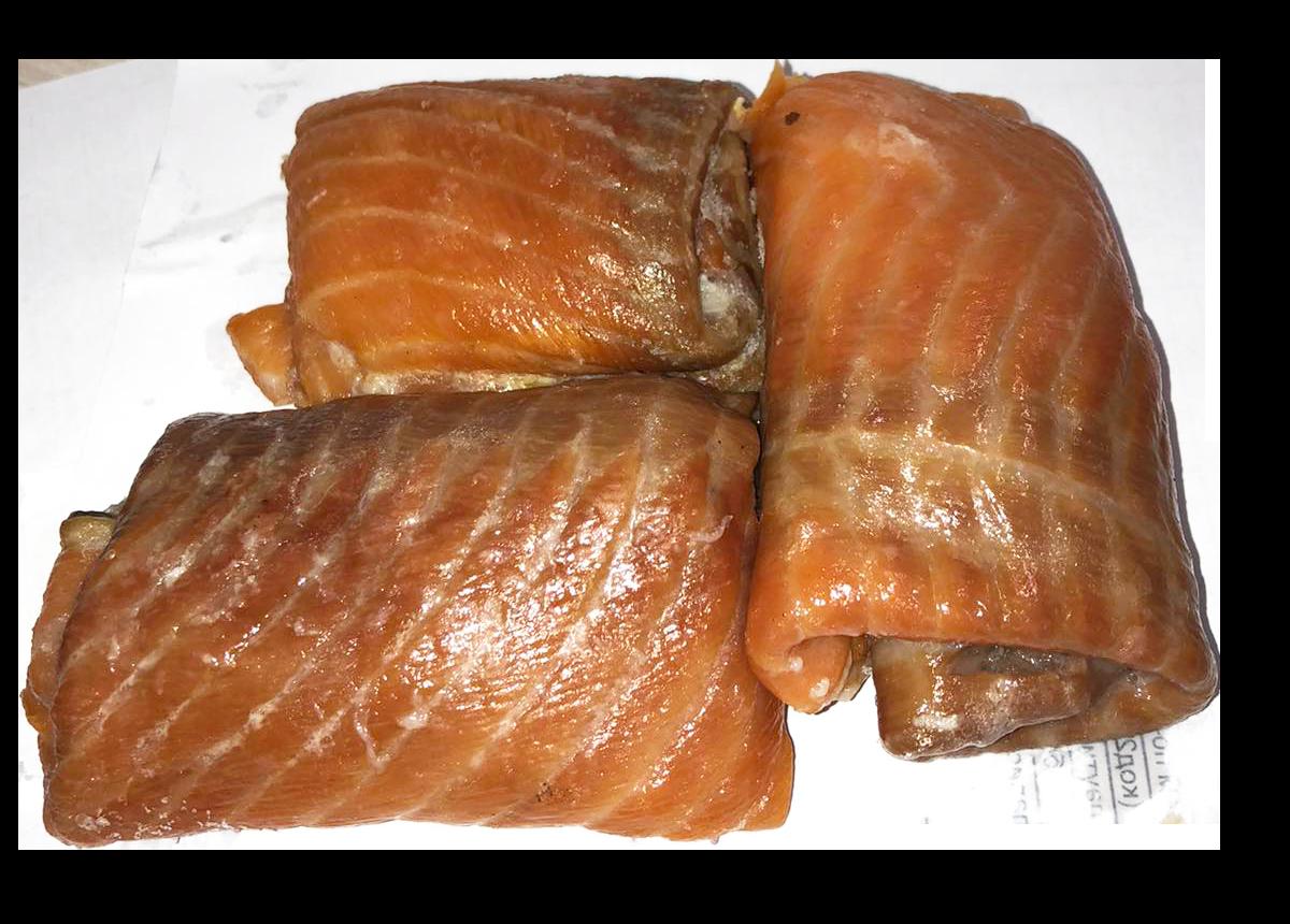Підшкірне м'ясо лосося гарячого копчення